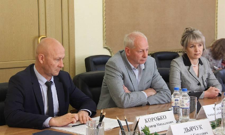 Алексей Волин высоко оценил работу, проведенную в Брянской области, при переходе на цифровое вещание | Департамент внутренней политики Брянской области